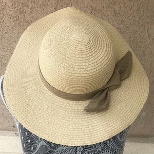 Ann Taylor Loft Outlet Straw Floppy Hat
